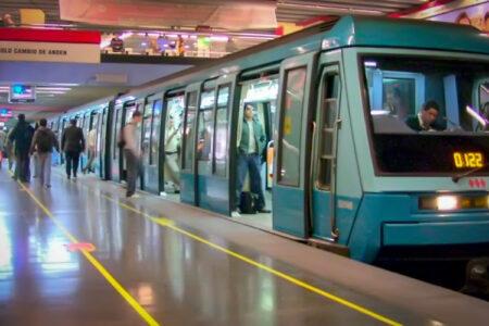 Sindicatos de Metro exigen sacar definitivamente 60° Comisaría de Carabineros de estación Baquedano